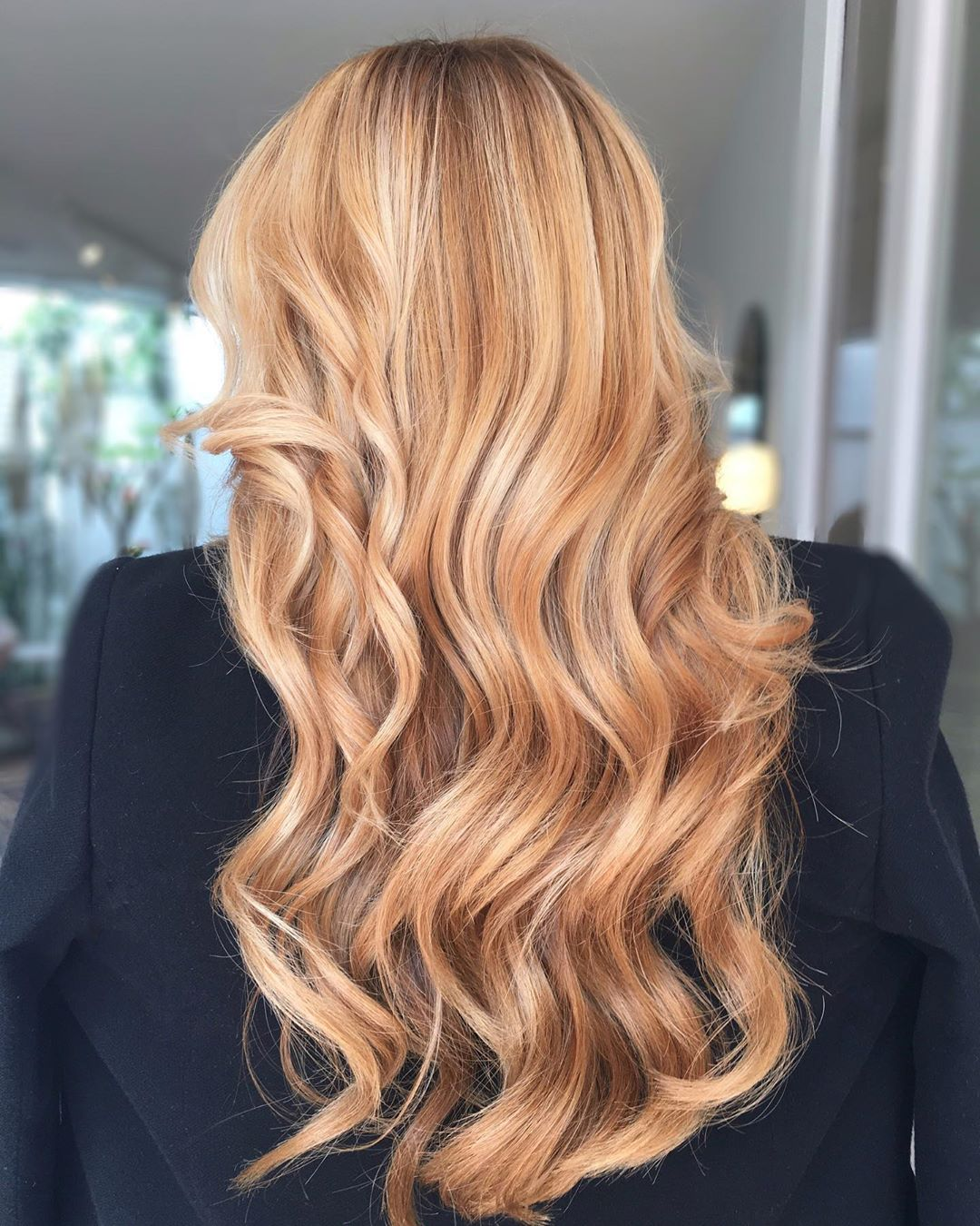 Strawberry Blonde con Light Blonde Highlights